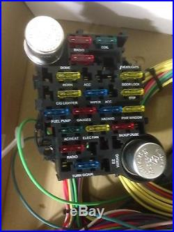 21 Circuit 17 Fuses EZ Wiring Harness Chevy Mopar Ford Hot Rod Universial Wires